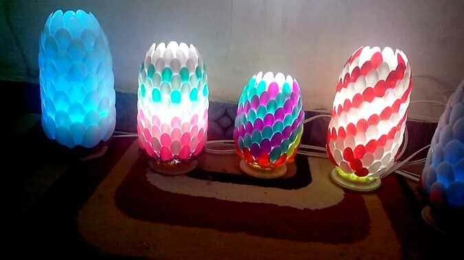 Lampu Hias dari Botol Plastik dan Sendok Plastik